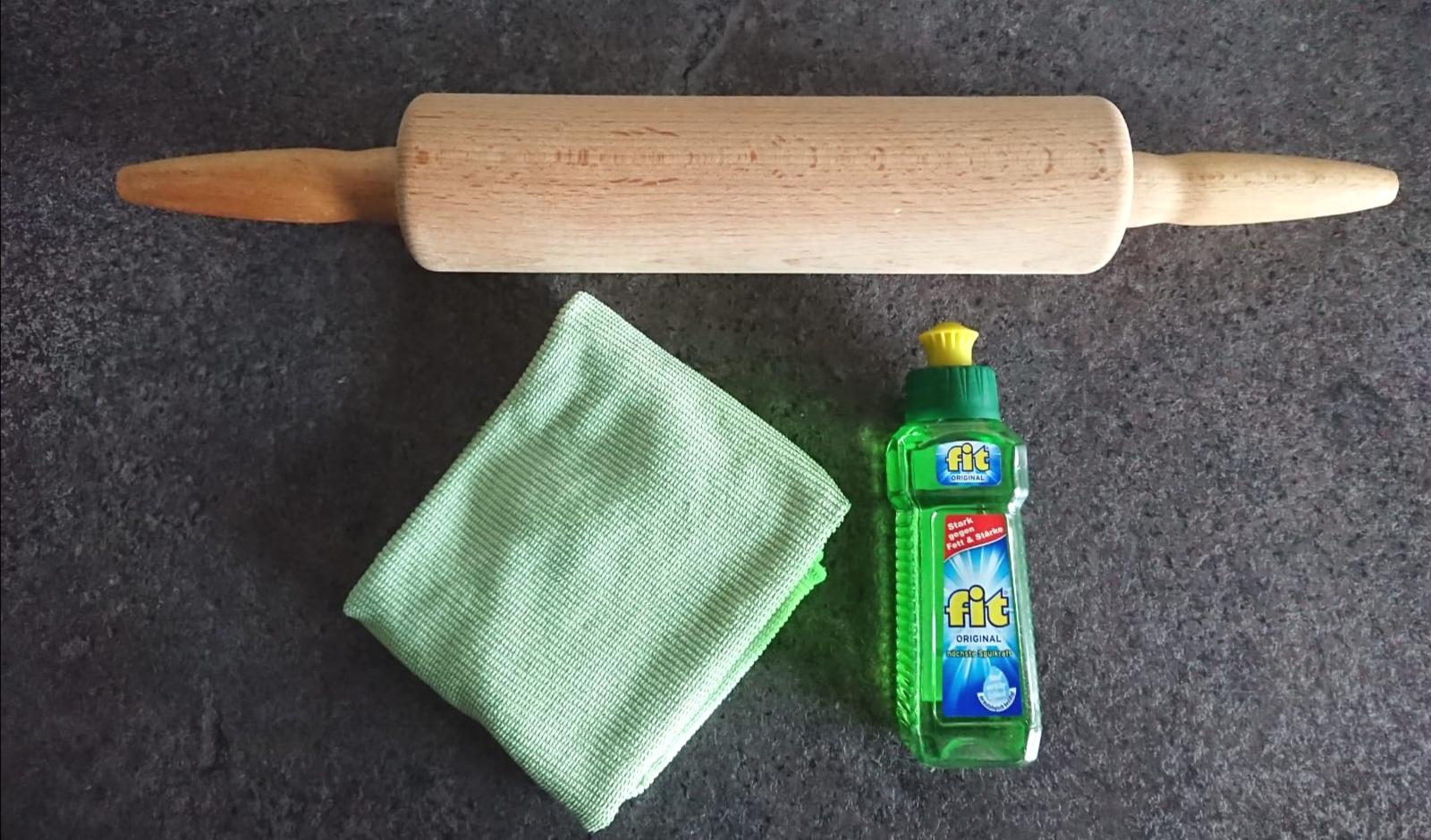 Wie reinigt man ein Nudelholz?